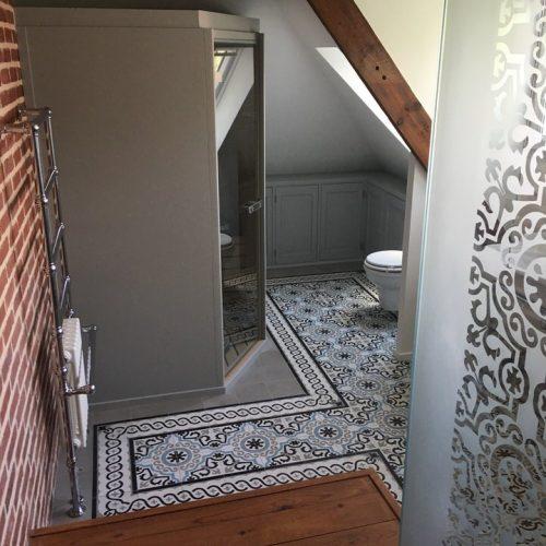 Salle de bains sèche serviettes à Bousbecque (Lille)